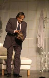 Manrique en su papel del Dr. Chirinos
