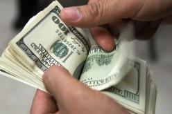 Los hispanos están gastando menos