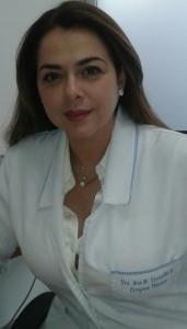 Dra. Ana M. Torrealba, Cirujano Plástico.