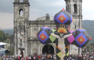 Luis Barrón nos trae el disfrute  del mágico pueblo de Zococolco en Veracuz México y su IV Festival Internacional de Globos de papel de china