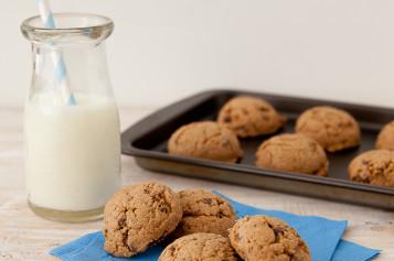 Celebremos el Día del Cereal con Galletitas de mantequilla de maní y chocolate