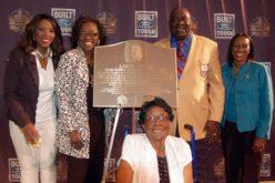 Larry Little homenajeado por el Salón de la Fama de Fútbol Profesional y Ford Motor Company