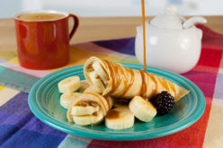 Crepes de dulce de leche con banana y nuez para sorprender a papá