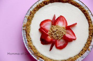 Cheesecake Crujiente de Honey Bunches of Oats y Fresas