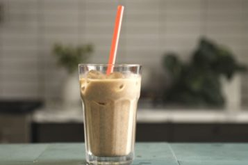 Horchata Iced Latte para celebrar el Día Nacional del Café