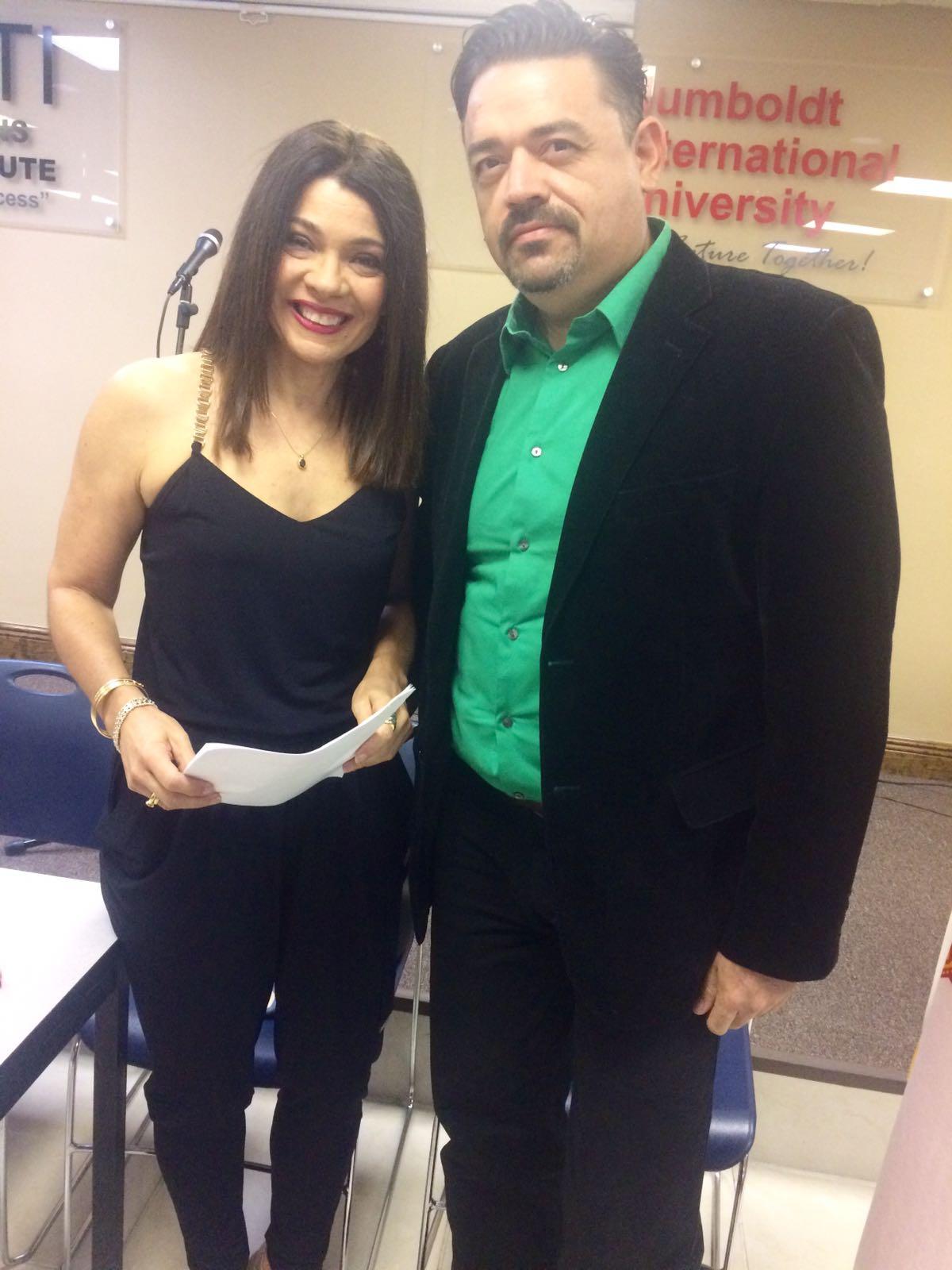 Los moderadores Marisela Toro y José Guerrero.