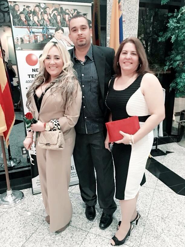 Marisol Casola de La Per Beauty Salón, Sandra Vásquez presidenta de la productora Ahmed Entertaiment y Ahmed David Montero, presidente de la fundación AMM Maskotamia.