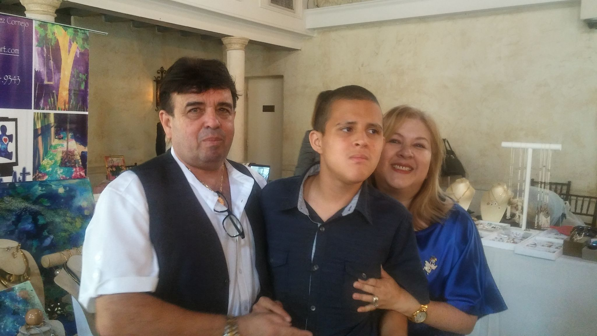 Bryan y sus amorosos padres Roxana y Luis Miguel Fernandez Cornejo.