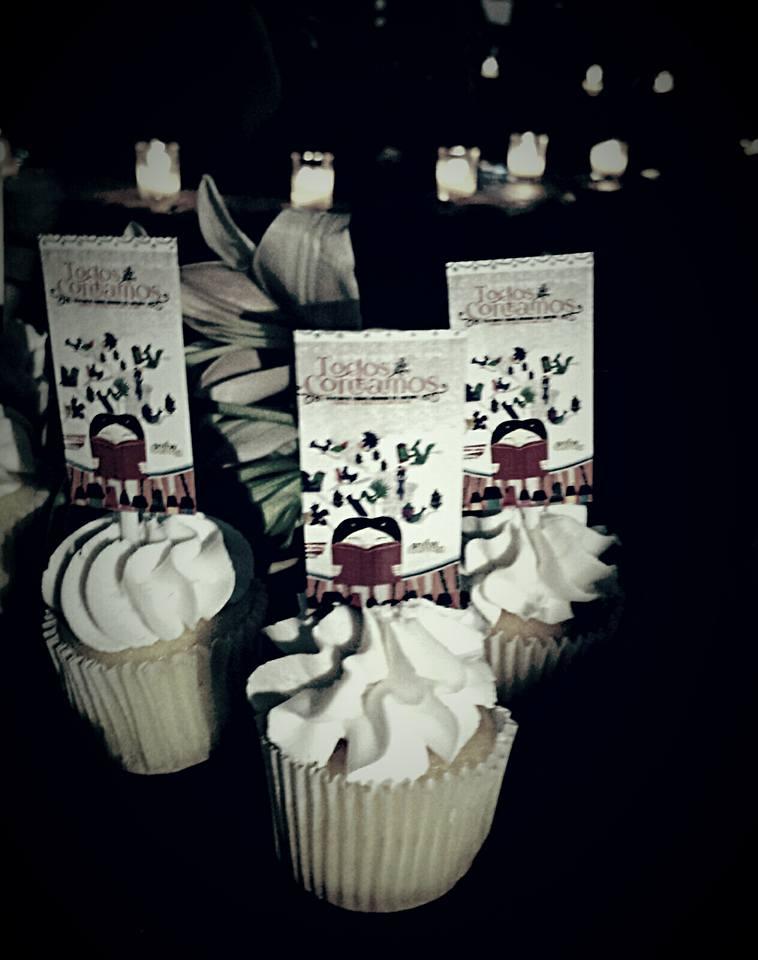 bautizo-del-libro-mila-hajjar-cupcakes-3