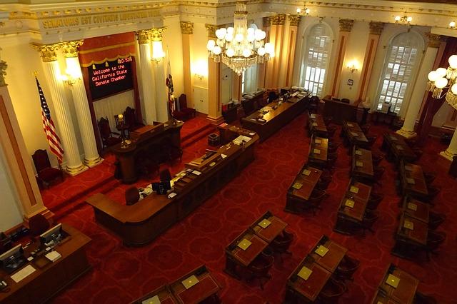 senate-1022683_640