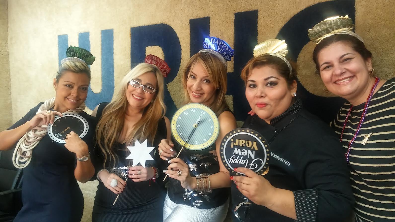 Andrea Caldas, Marisol Casola, Alby Lovelace, Mariline Villa y Mariela Montes, muestran absoluta felicidad.