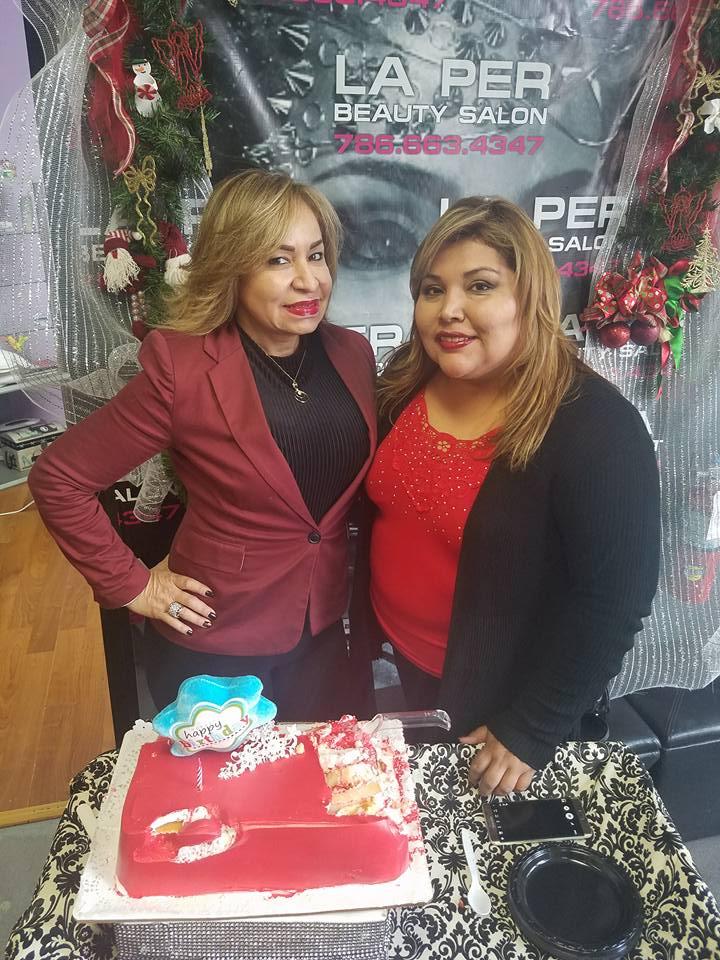 Dina Sarmiento, propietaria del restaurant El Rinconcito Paisa y Mariline Villa