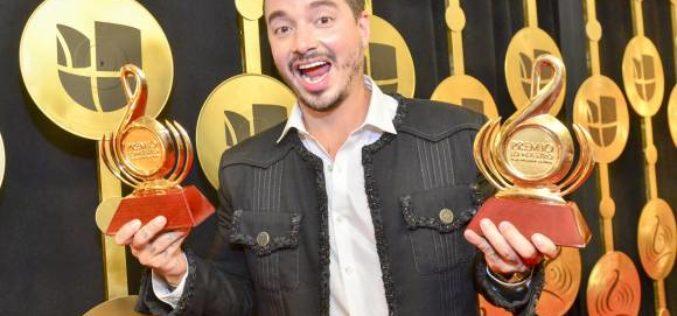J Balvin reconocido como artista del año en Premios Lo Nuestro