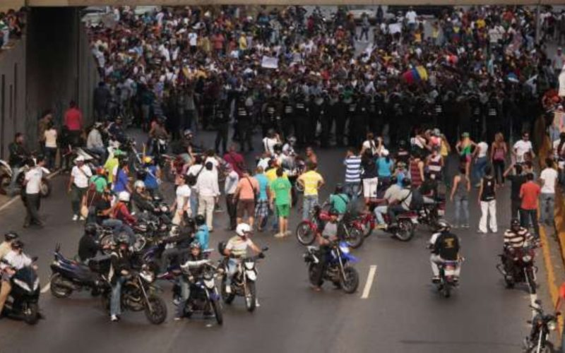 """EE.UU: Gobierno de Maduro """"está violando su propia Constitución""""."""