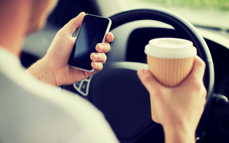 Los Ángeles, la ciudad con los conductores más distraídos de EEUU