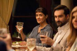 """""""Beatriz at dinner"""" con Salma Hayek: cuando eres invitada pero no bienvenida"""
