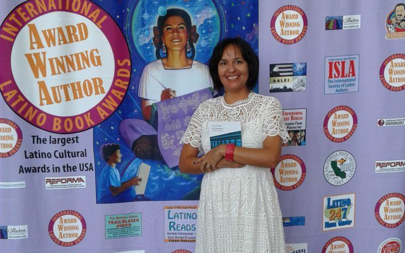 Escritora chilena obtiene importante premio literario en EE.UU.