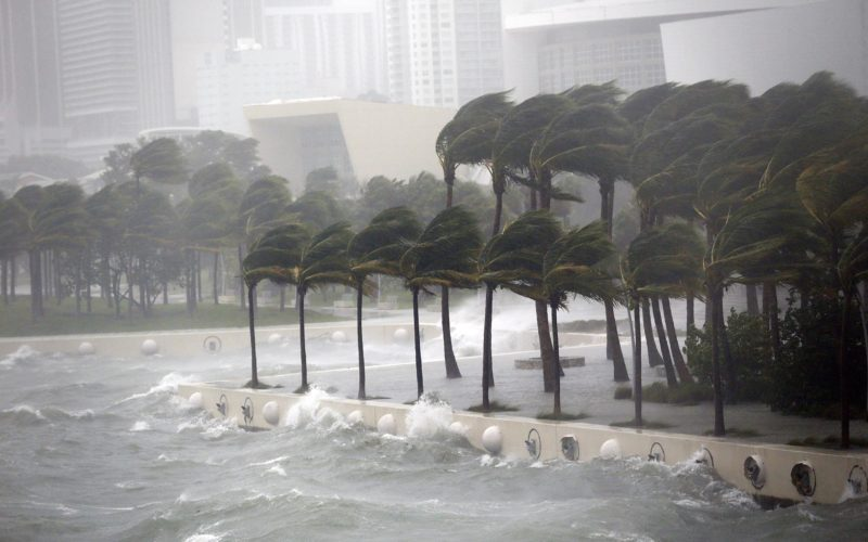 Irma: el 27% del estado de la Florida está a oscuras