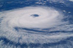 Huracán María se aproxima a EE.UU. y ordenan evacuación