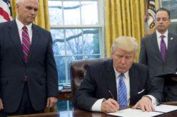 Trump mete a Venezuela en una lista de ocho países con restricción migratoria
